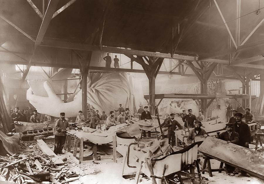 Statue-of-Liberty-Under-Construction.jpg